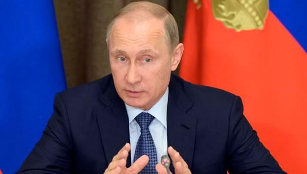 Vladimir Putin cree que la UE puede desintegrarse igual que la Unión Soviética