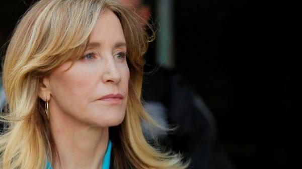 Felicity Huffman se declara culpable en caso de sobornos para acceso a universidades