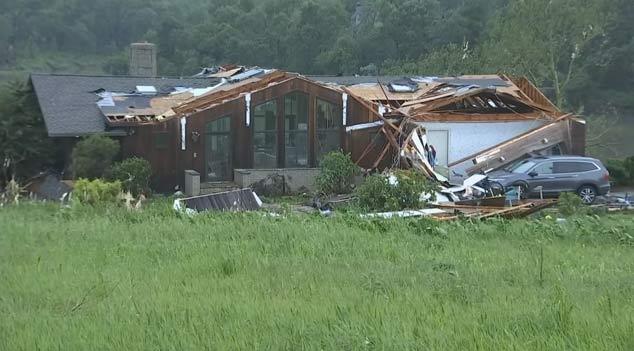 Tornados arrasan zona de Kansas City