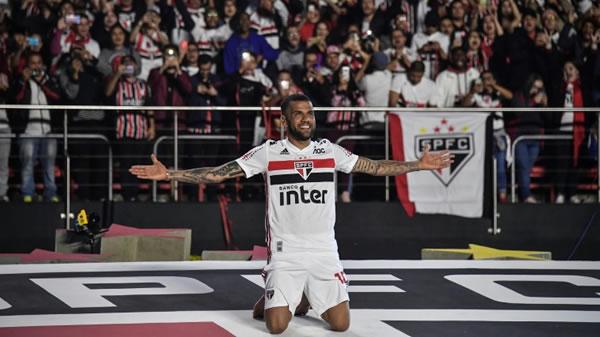"""Dani Alves asegura que cumple """"un sueño desde pequeño"""" con su llegada al Sao Paulo"""