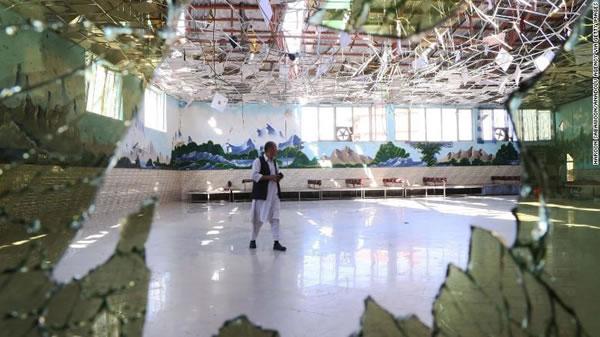 ISIS se atribuye la responsabilidad de ataque suicida que mató a 63 personas en una boda
