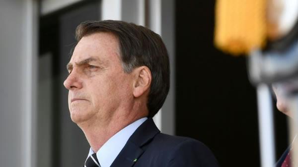 """Bolsonaro dice que datos """"falsos"""" de deforestación dañan su imagen y la de Brasil"""