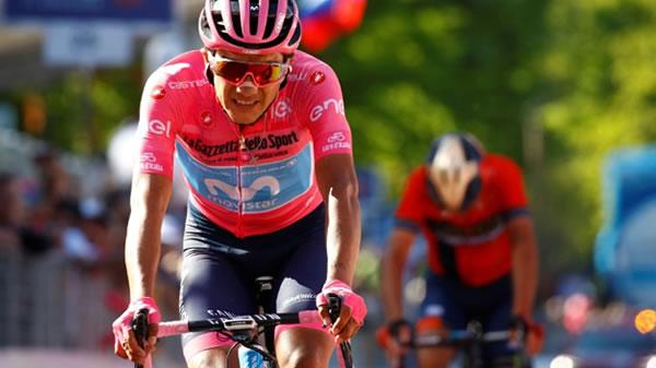 El ecuatoriano Carapaz es duda para la Vuelta a España por una caída