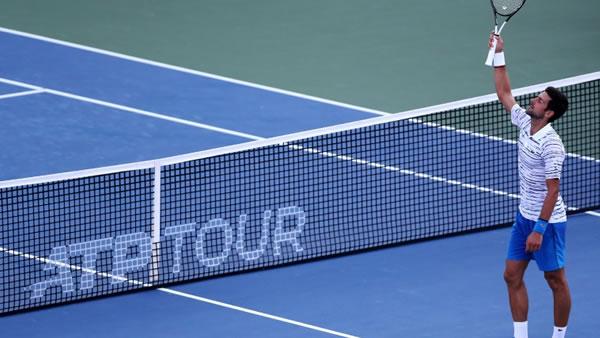 Federer, Djokovic y argentino Schwartzman arrancan con buen paso en Cincinnati