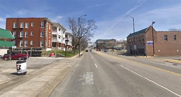 Linwood Boulevard y Charlotte Street