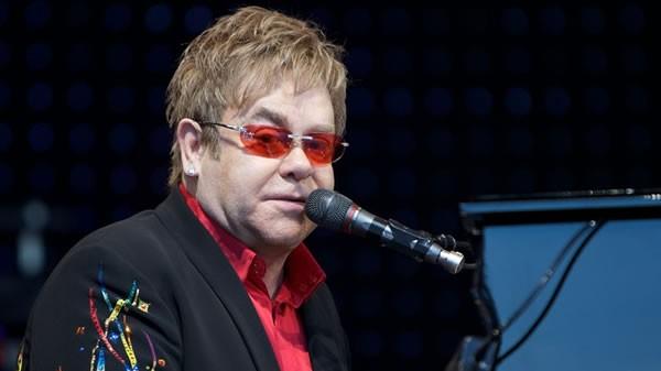 Elton John: $1 millón para Australia