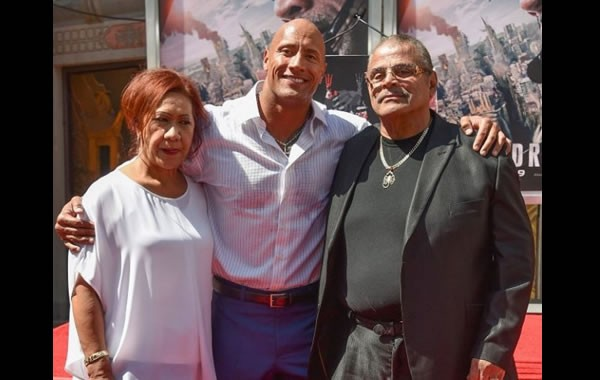 "Muere el luchador Rocky Johnson, padre de Dwayne ""The Rock"" Johnson"