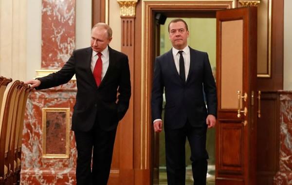 Putin propone cambios que lo mantendrían en el poder