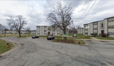 Cloverleaf Apartments
