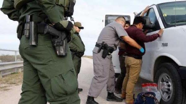Cruces fronterizos han disminuido, dice Secretario de Seguridad Interino de EE.UU.