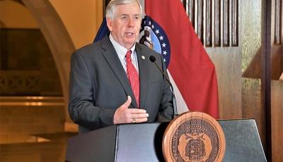 Gobernador Mike Parson
