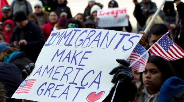 ¿A quiénes afectará la más reciente restricción inmigratoria del presidente Trump?