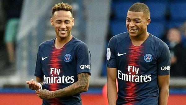 Edinson Cavani sale del PSG en parte por culpa de Neymar y Mbappé