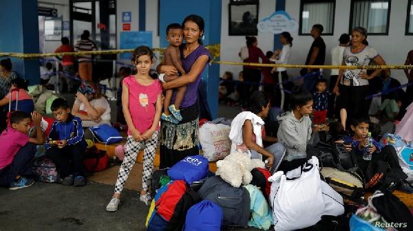 ACNUR: Se reduce el número de refugiados y desplazados que regresa a sus hogares