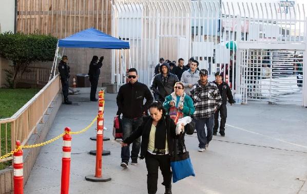 Los trabajos esenciales están en manos de los inmigrantes en San Diego