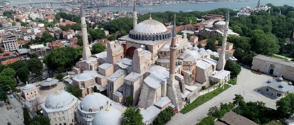Turquía combate las críticas por decisión de convertir a Hagia Sophia