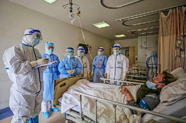 Desbordados hospitales chilenos con 7.000 nuevos casos de COVID-19 diarios