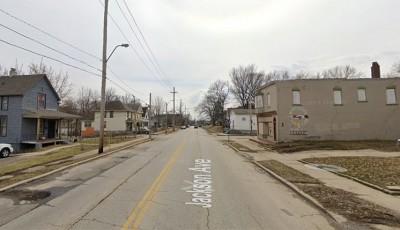 asesinato de dos personas cerca de East 25th Street y Jackson Avenue