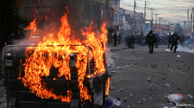 Protestas en Colombia contra abuso policial dejan diez muertos