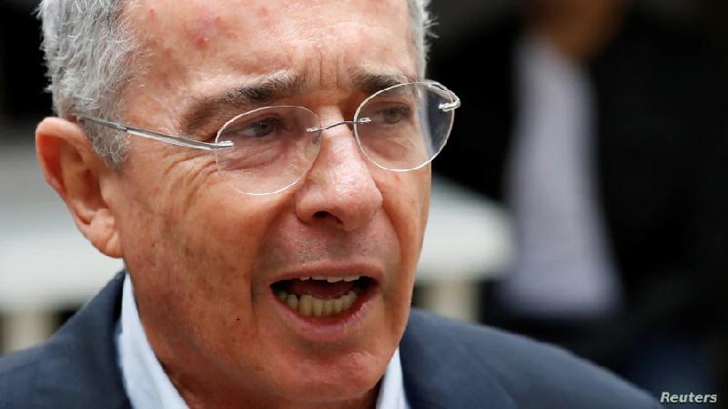 Fiscalía solicita puesta en libertad del expresidente Álvaro Uribe