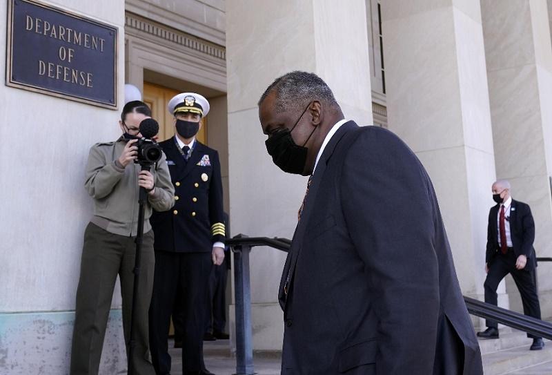 Secretario Defensa EE.UU. ordena revisión de programas sobre asaltos sexuales en el ejército