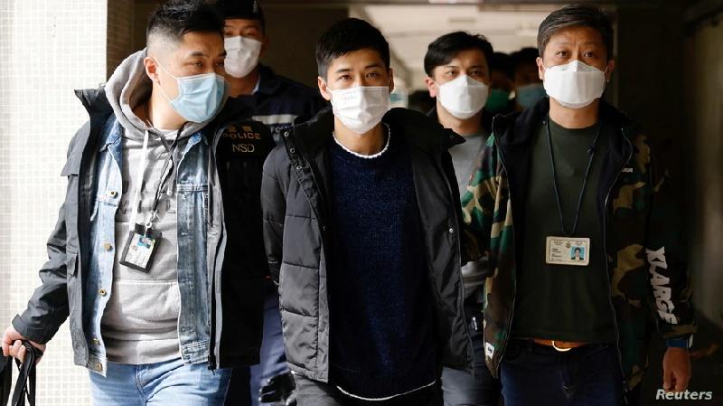 Arrestan al menos 50 activistas prodemocracia en Hong Kong
