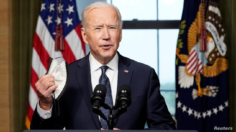 Biden compara su iniciativa de banda ancha con electrificación rural